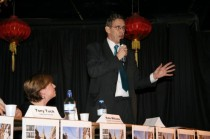 Public Meeting 28/01/2009 - Martin Linton - credit Chrysoulla Rosling